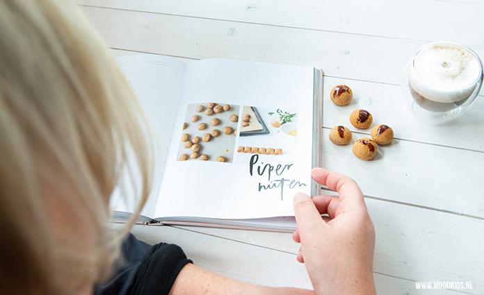 Wimke Tolsma heeft een prachtig boek geschreven over Fries geluk. Met Smûk beleef je de vier seizoenen op diverse manieren. Wij kozen voor het recept van de Friese pepernoten.