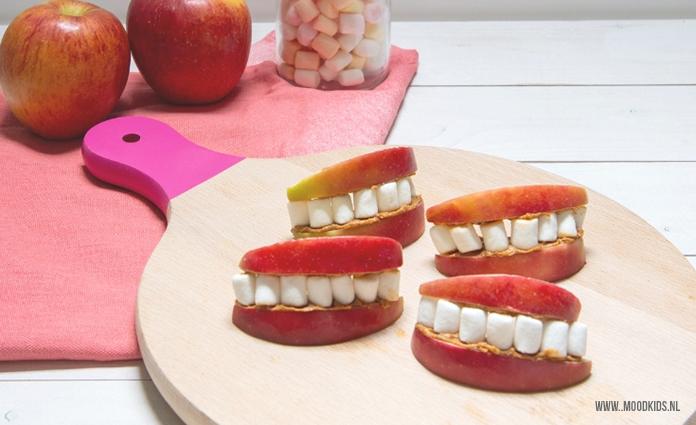 Traktatie appel mond met marshmallow tanden #trakteren #appel