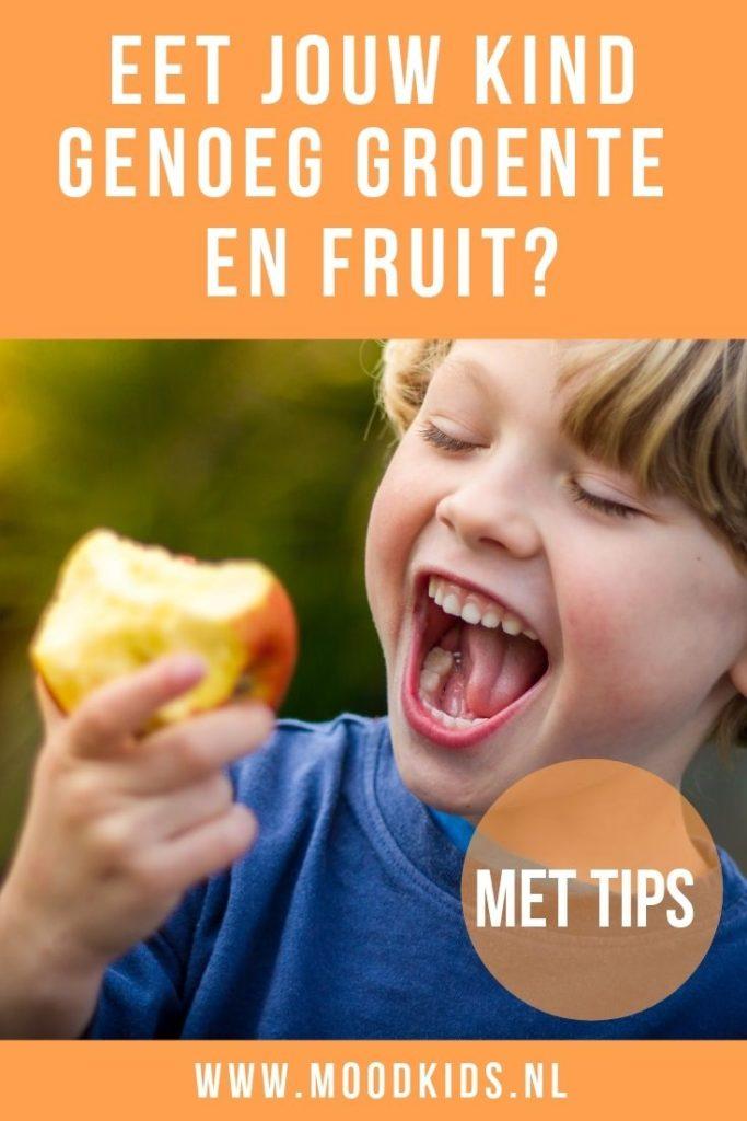 Vraag jij je weleens af of je kind genoeg groente en fruit eet? Er zijn verschillende truukjes waardoor dat makkelijker gaat. Lees onze tips.