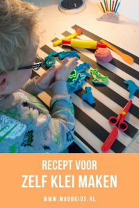 Speelt je kind graag met klei? Met dit makkelijke recept kun je veilig en goedkoop zelf klei maken voor (jonge) kinderen. Plus tips voor leuke varianten.